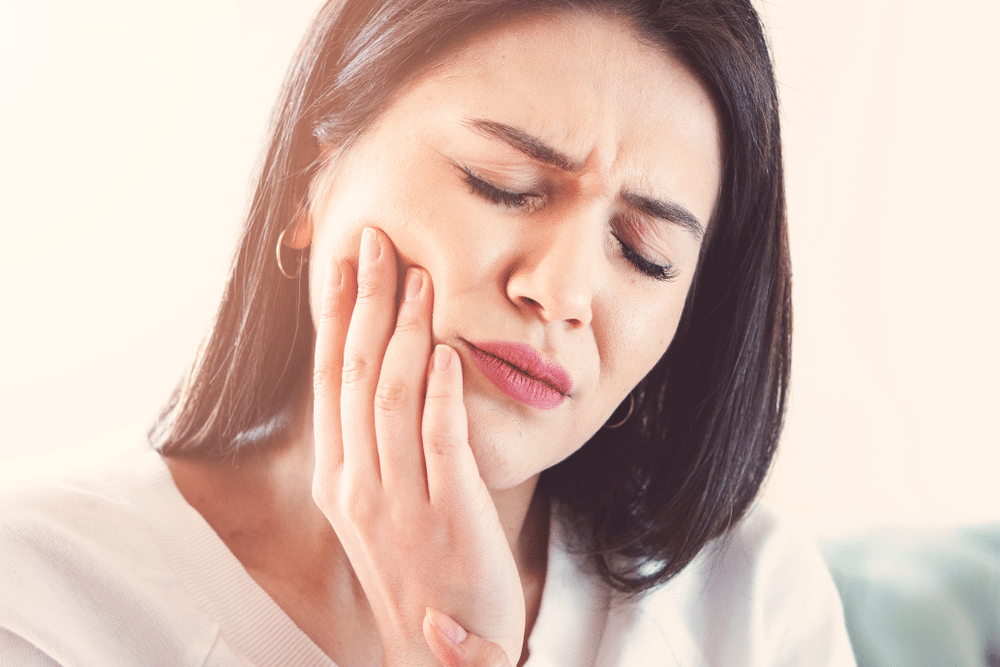 Top 10 Home Remedies Of Toothache 1